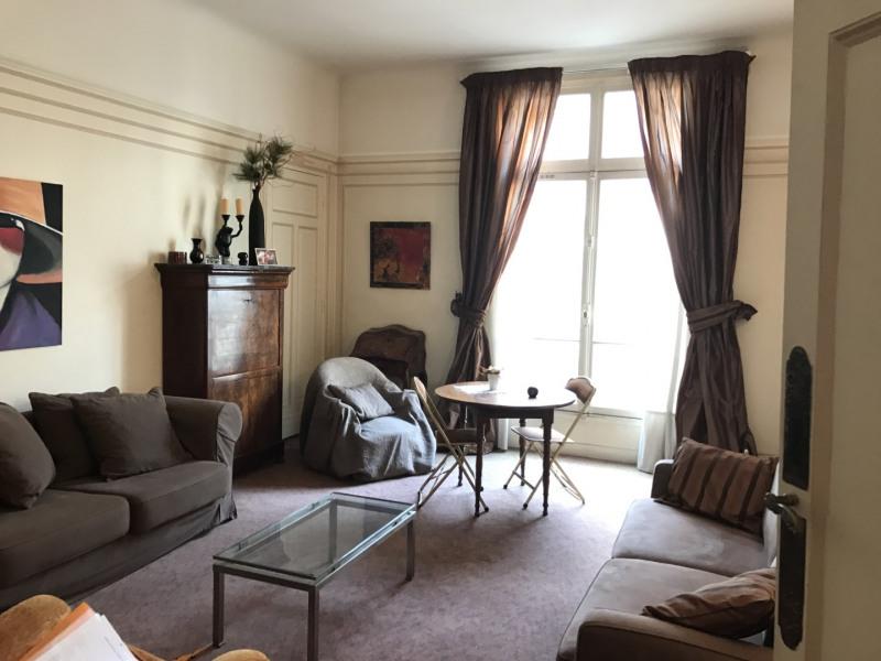 Sale apartment Paris 8ème 495000€ - Picture 1