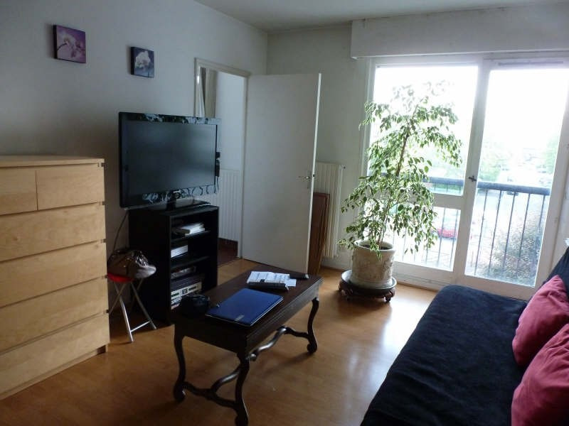 Location appartement Maurepas 606€ CC - Photo 1