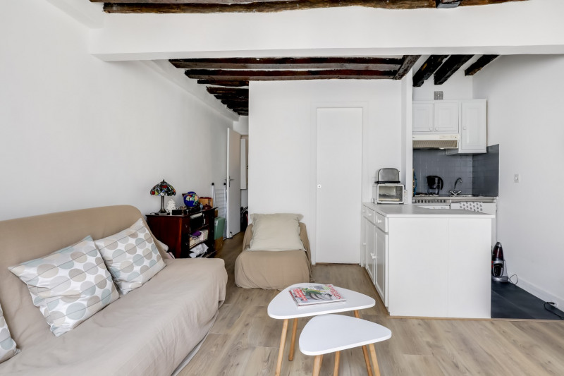 Sale apartment Paris 1er 330 000€ - Picture 4