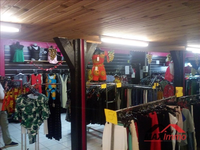 Location local commercial St louis 2000€ HT/HC - Photo 1