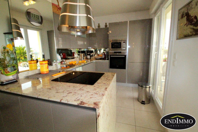 Deluxe sale apartment Antibes 730000€ - Picture 5