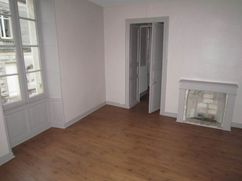 Rental apartment Cognac 550€ CC - Picture 2