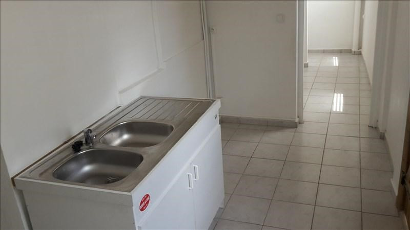 Rental apartment Pointe a pitre 650€ +CH - Picture 2