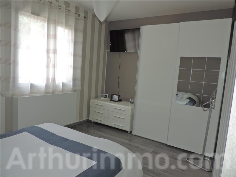 Sale house / villa St sauveur 230000€ - Picture 6