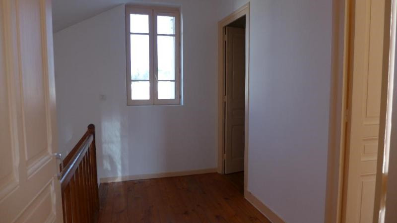 Location maison / villa St foy les lyon 1 850€ CC - Photo 10