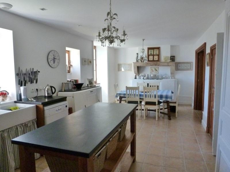 Deluxe sale house / villa Iguerande 485000€ - Picture 2