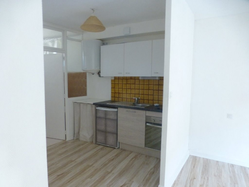 Rental apartment Castres 290€ CC - Picture 2