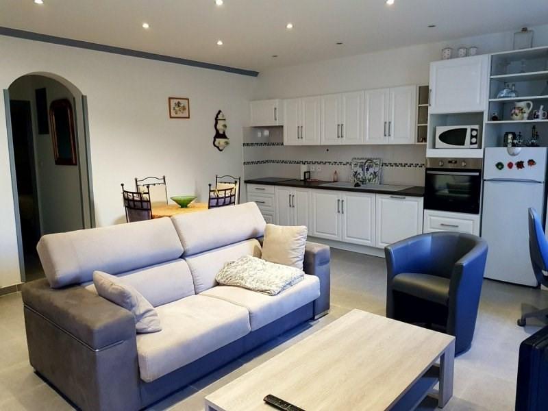 Rental apartment Barbentane 630€ CC - Picture 2