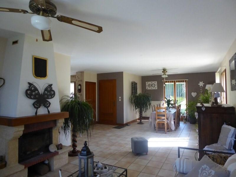 Sale house / villa Terrasson lavilledieu 240750€ - Picture 5