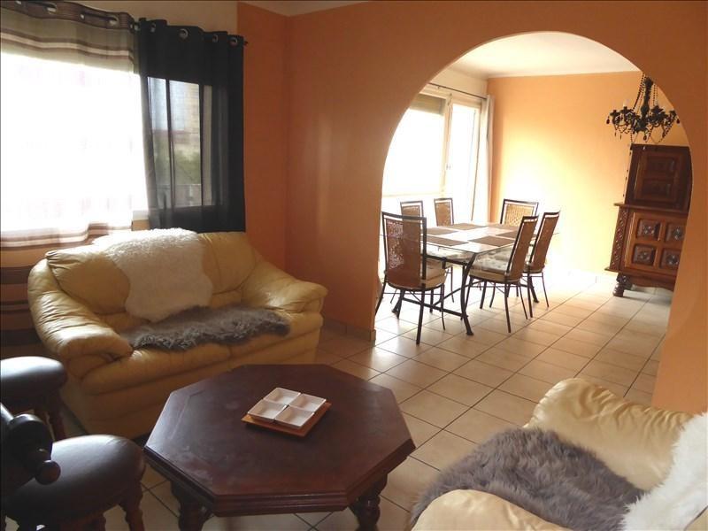 Sale apartment Lyon 8ème 215000€ - Picture 4