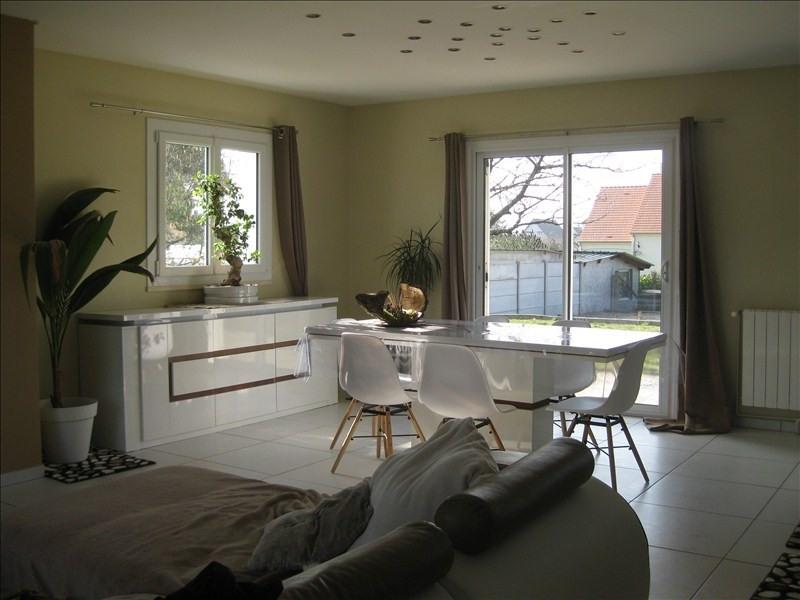 Sale house / villa Guernes 270000€ - Picture 5