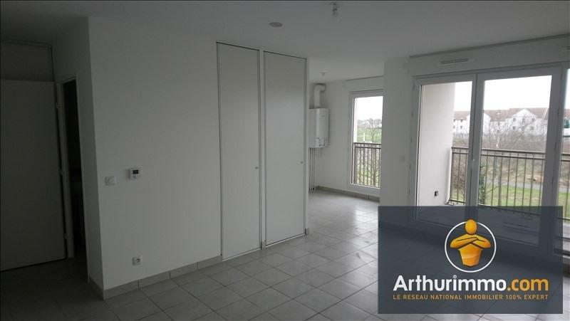 Rental apartment Vert st denis 550€ CC - Picture 1