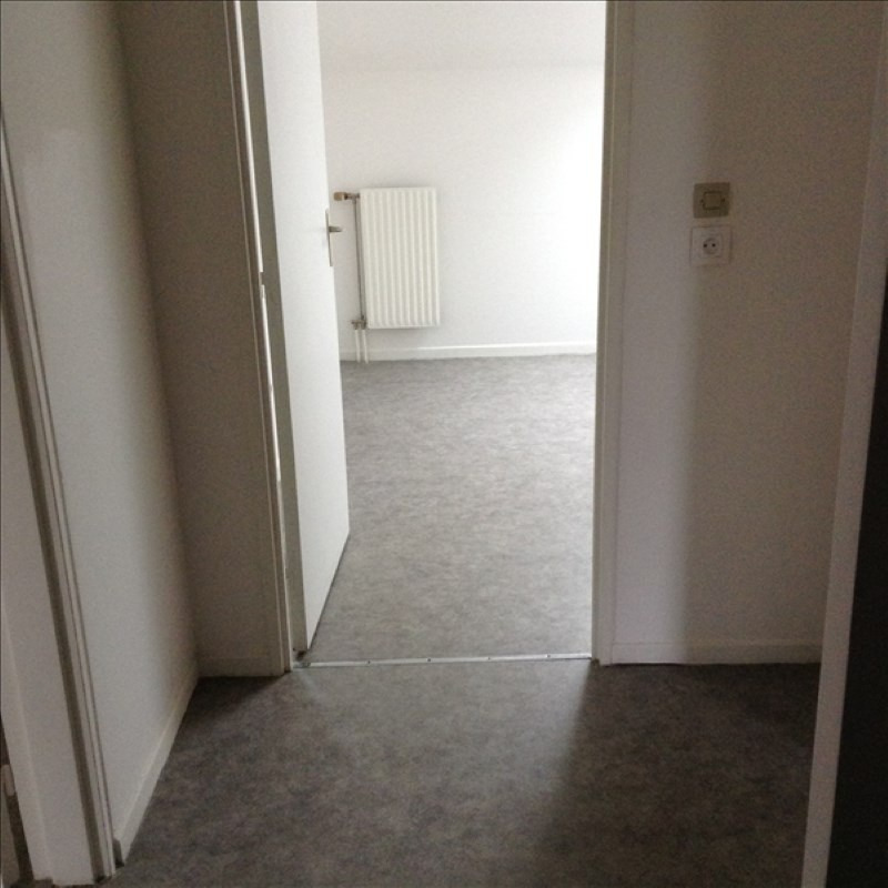 Location appartement St quentin 459€ CC - Photo 2