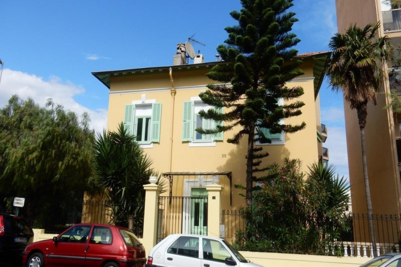 Sale apartment Nice 160 000€ - Picture 1