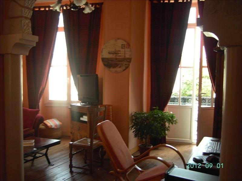 Sale apartment Oloron ste marie 82000€ - Picture 1