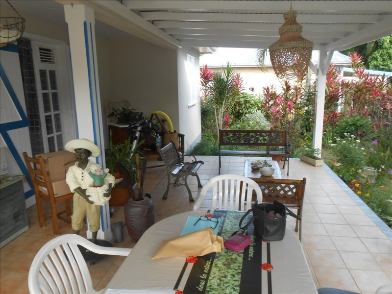 Sale house / villa St claude 255 000€ - Picture 5