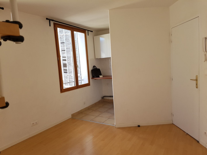 Rental apartment Aix-en-provence 651€ CC - Picture 1