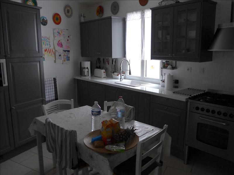 Sale house / villa La roche sur yon 289000€ - Picture 4