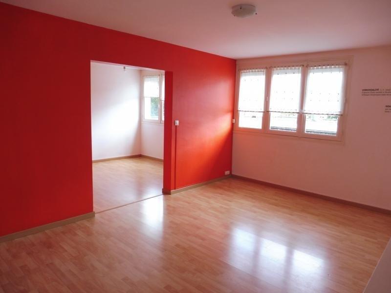 Sale apartment Cholet 79890€ - Picture 2