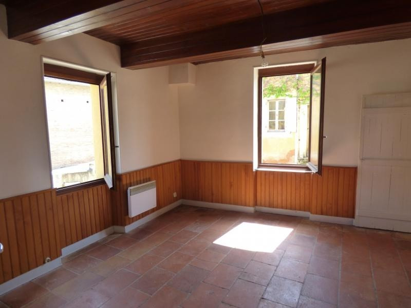 Vente maison / villa L isle jourdain 85 000€ - Photo 2