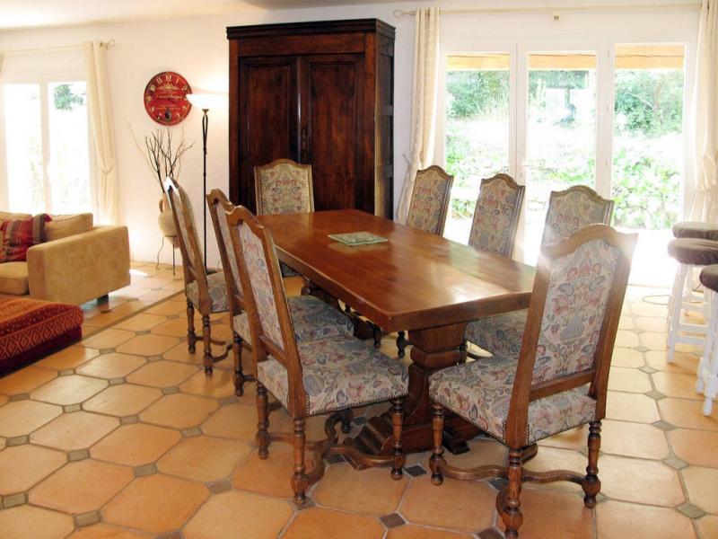 Vente maison / villa Bagnols-en-forêt 590000€ - Photo 8