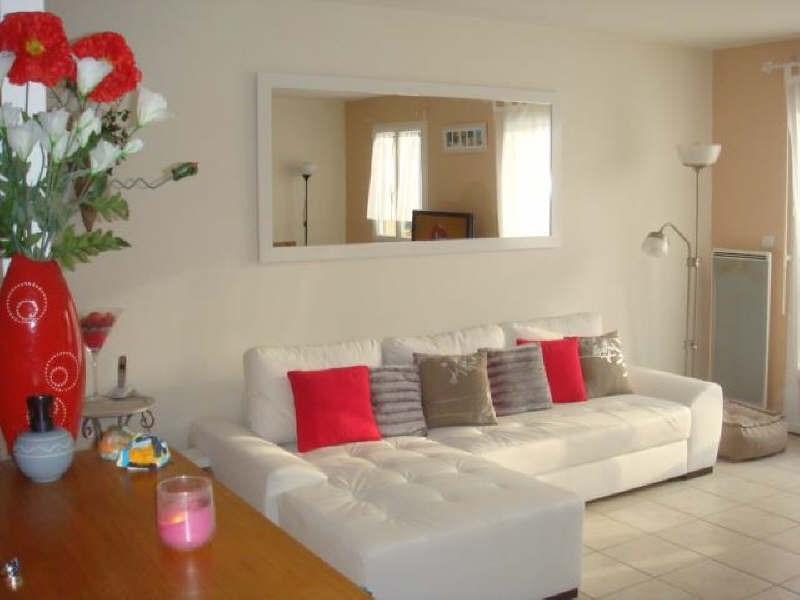 Rental apartment Maurepas 1021€ CC - Picture 2
