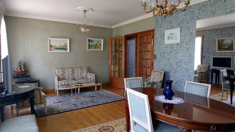 Sale house / villa Laval 117800€ - Picture 2