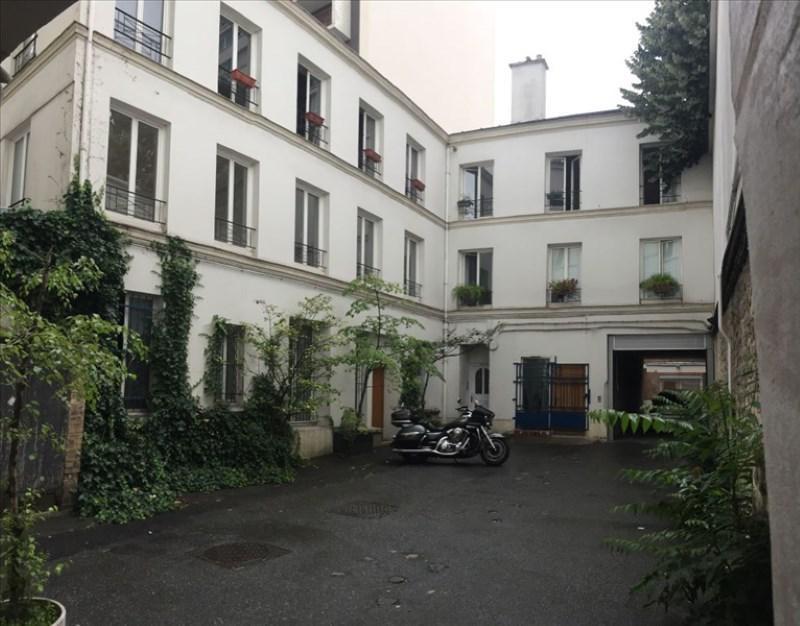 Location appartement Paris 18ème 2100€ CC - Photo 1