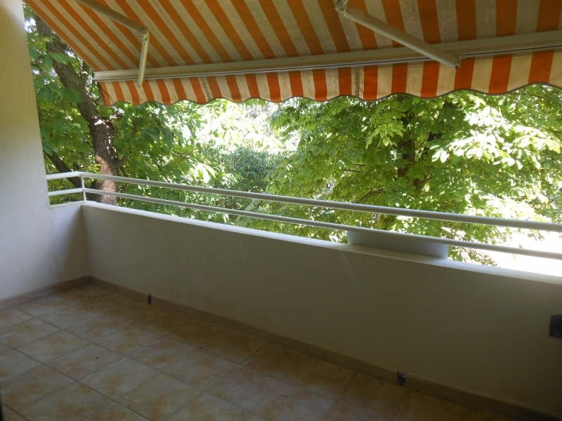 Rental apartment Nimes 660€ CC - Picture 3