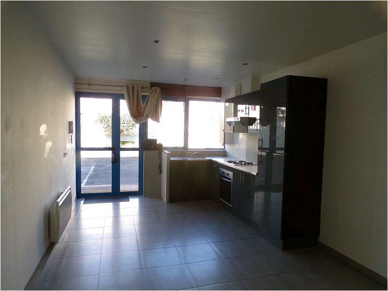 Rental apartment Crosne 879€ CC - Picture 2