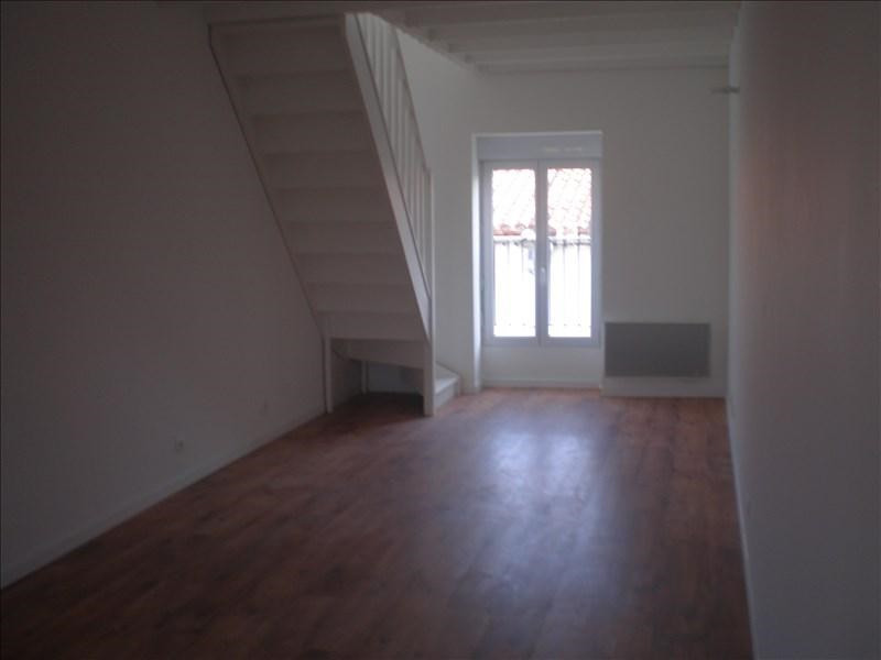 Location appartement Remouille 490€ +CH - Photo 2