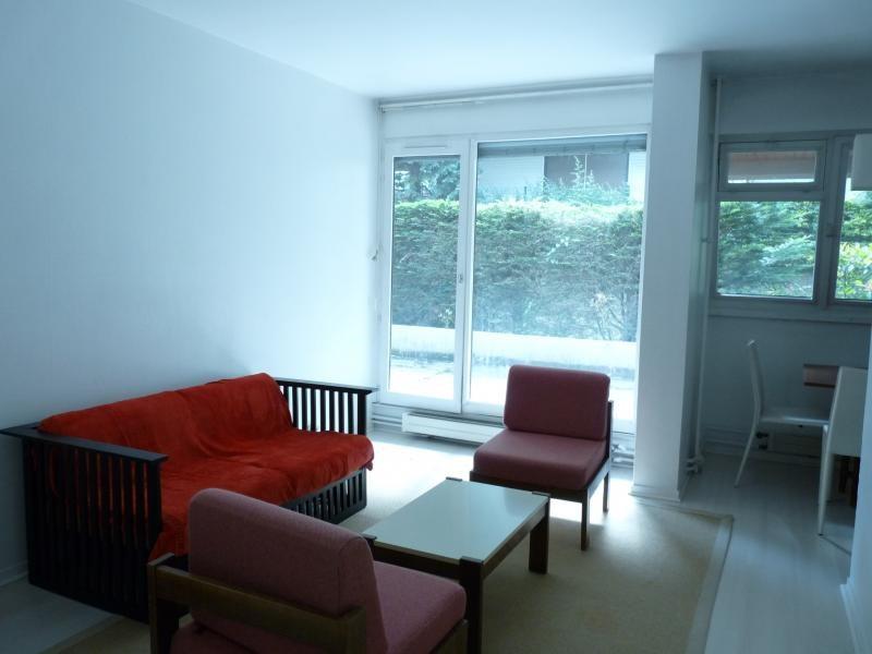 Rental apartment Villennes sur seine 915€ CC - Picture 1