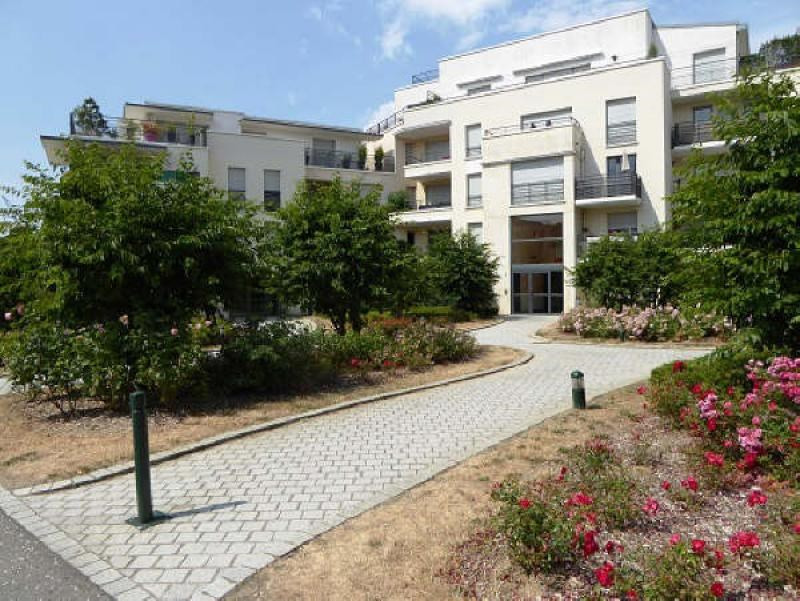 Sale apartment Elancourt 155000€ - Picture 1