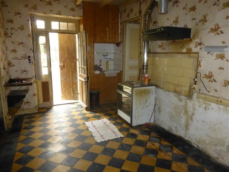 Sale house / villa Saint-jean-d'angély 33000€ - Picture 4