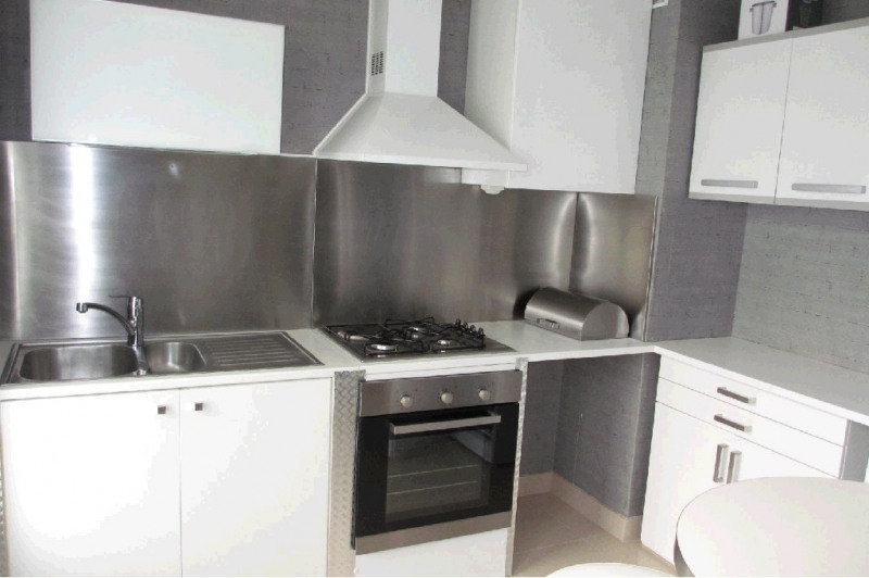 Rental apartment Annecy 930€ CC - Picture 2