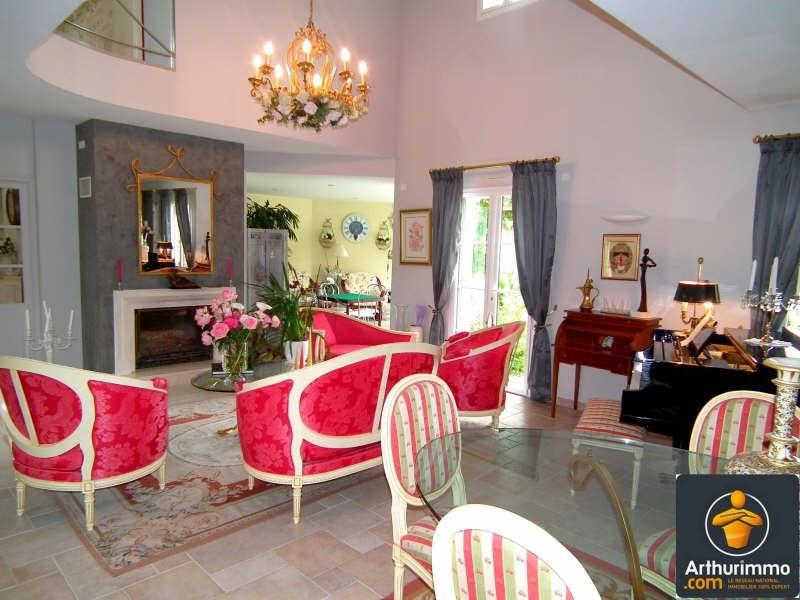 Deluxe sale house / villa Matha 685000€ - Picture 3