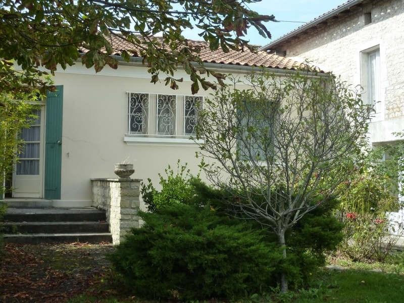 Sale house / villa Aigre 104000€ - Picture 2