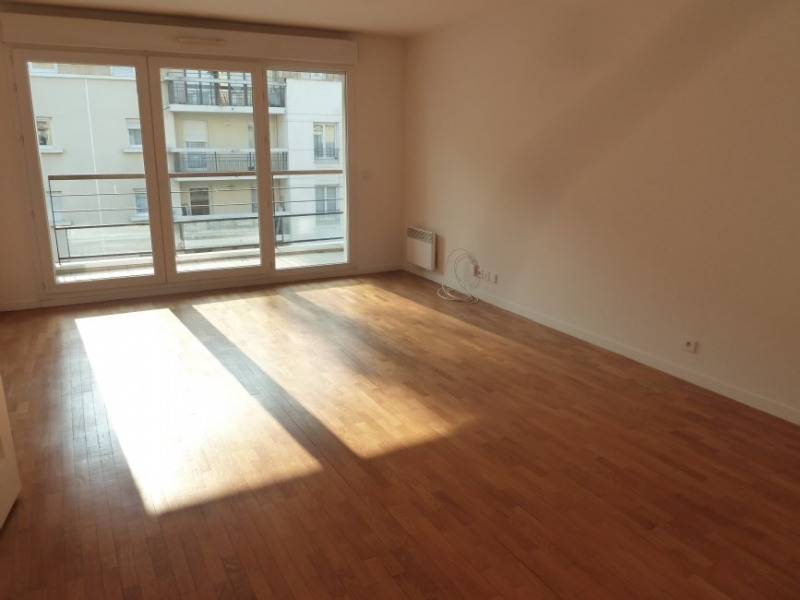 Rental apartment Courbevoie 1 800€ CC - Picture 2