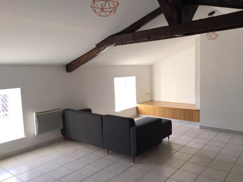 Location appartement Villefranche sur saone 696,83€ CC - Photo 2