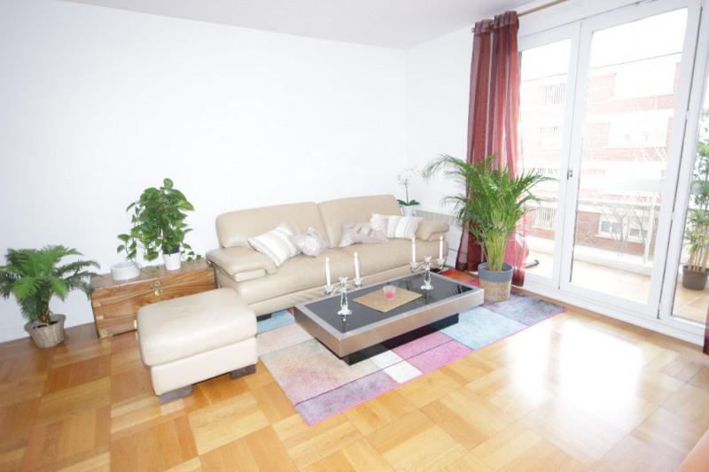Sale apartment Courbevoie 441000€ - Picture 2