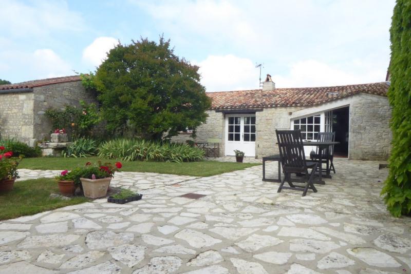 Deluxe sale house / villa Saint medard d aunis 630000€ - Picture 1