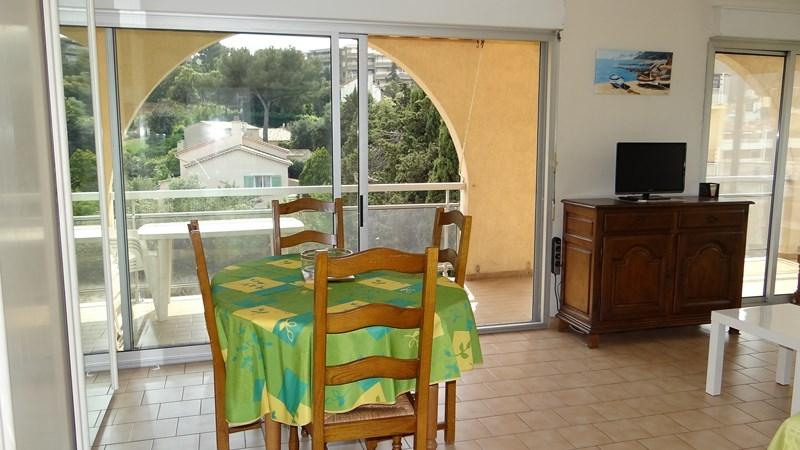 Location vacances appartement Cavalaire sur mer 420€ - Photo 6