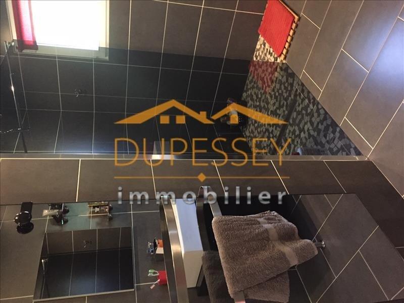 Sale house / villa Velanne 210000€ - Picture 6