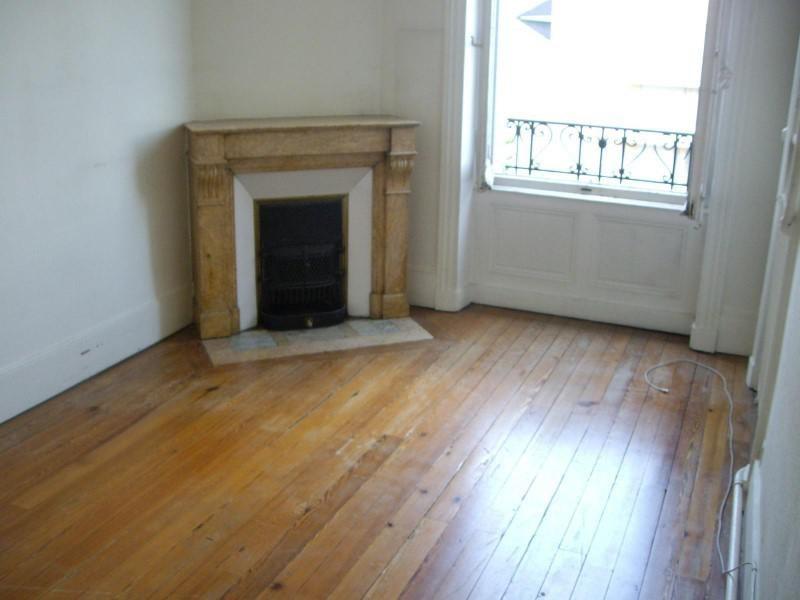 Location appartement Roanne 855€ CC - Photo 2