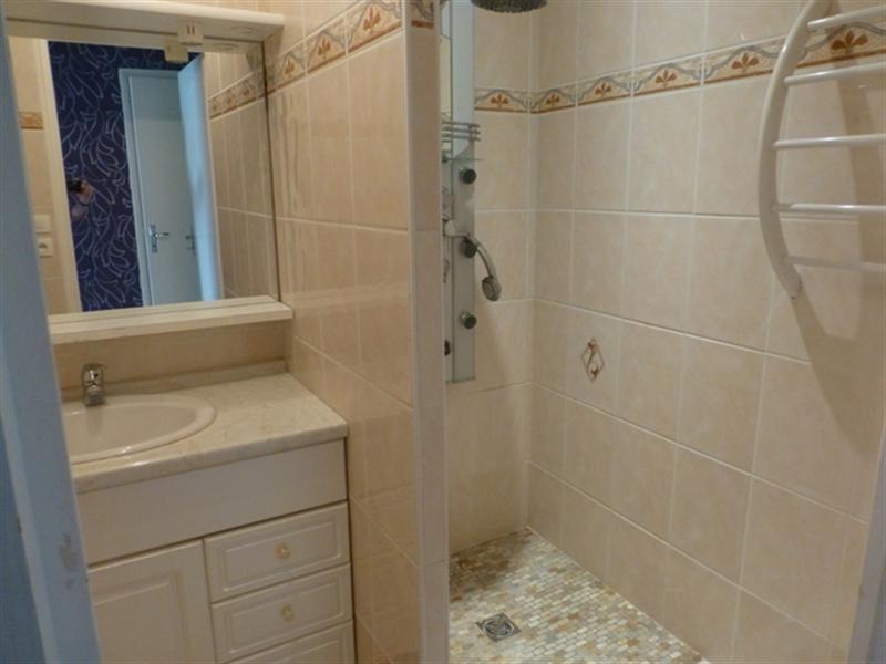Sale house / villa Saint-jean-d'angély 106800€ - Picture 5