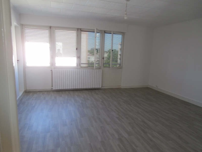 Rental apartment Salon de provence 730€ CC - Picture 3