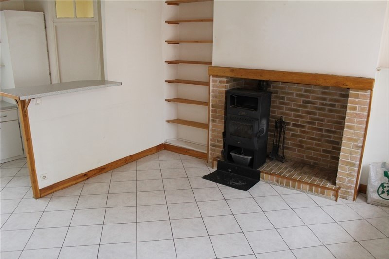 Location maison / villa Charmoy 480€ CC - Photo 4