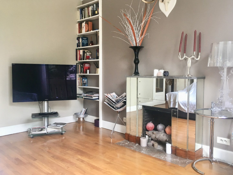 Location appartement Paris 16ème 2 320€ CC - Photo 2