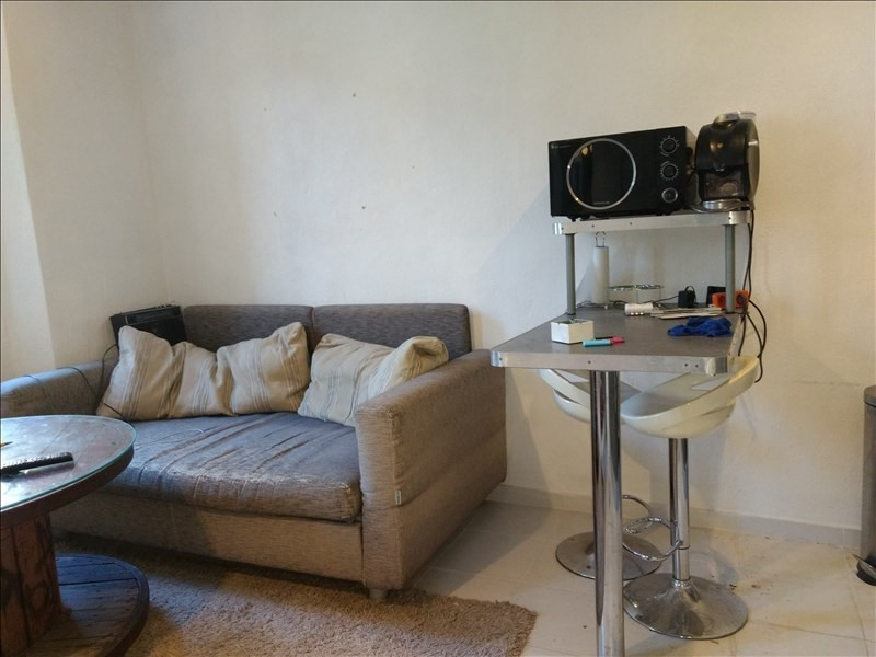 Locação apartamento Le golfe juan 500€ CC - Fotografia 3