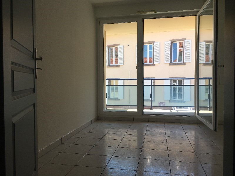 Verkoop  appartement Colmar 155000€ - Foto 3